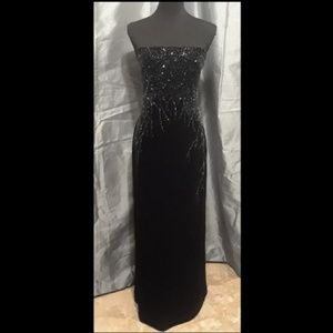 GLAMOROUS JS Boutique Formal Gown